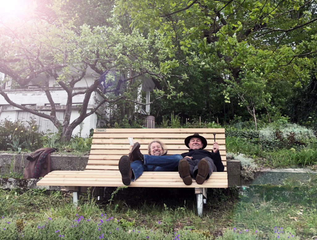 forest-bathing-hangsofa-garten