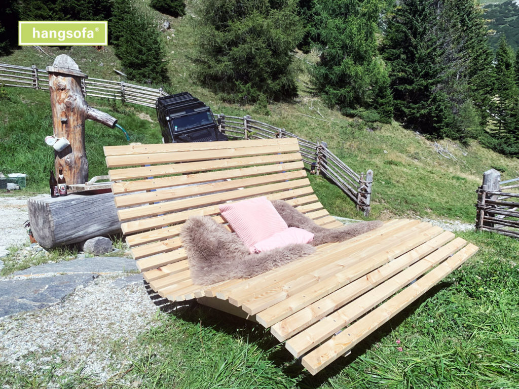 forest-bathing-hangsofa-gross-schoen