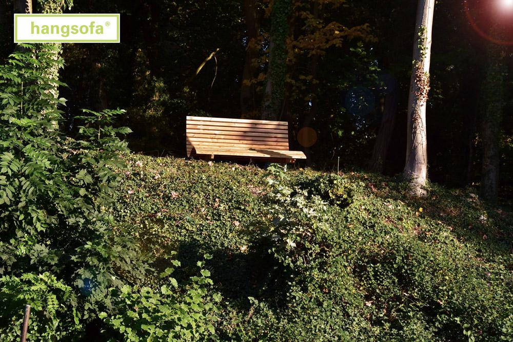 Bank für Senioren im Wald